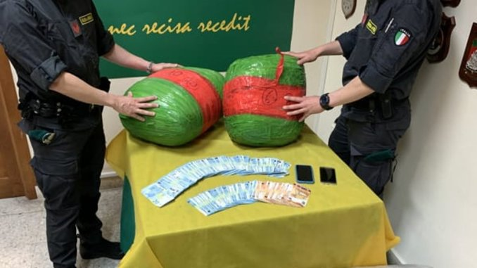Catania, umbro arrestato, aveva 136 chili di marijuana nel garage