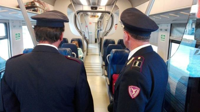 Extracomunitario aggredisce agente della polizia ferroviaria di Fabriano