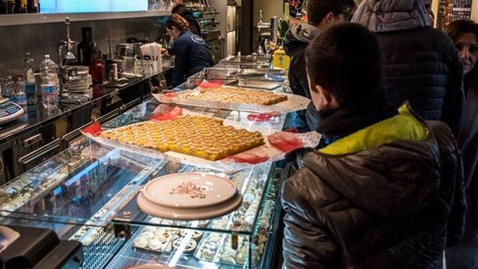 Venti anni di attività, il Bar Pellas a Perugia li festeggia egregiamente
