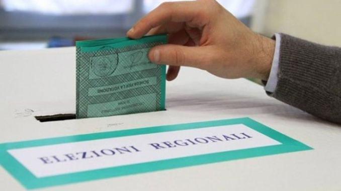 Assessore scrive ai dipendenti comunali per portare voti alla sua candidata