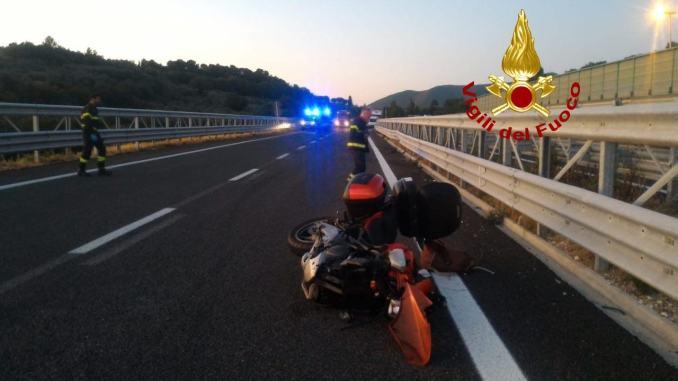 Un morto e una ferita grave in un incidente stradale sulla statale 77 tra Colfiorito e Foligno