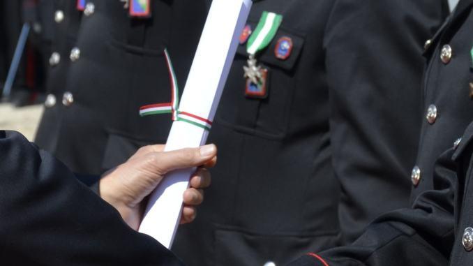 Medaglia di bronzo al valor civile al carabiniere ferito nella sparatoria