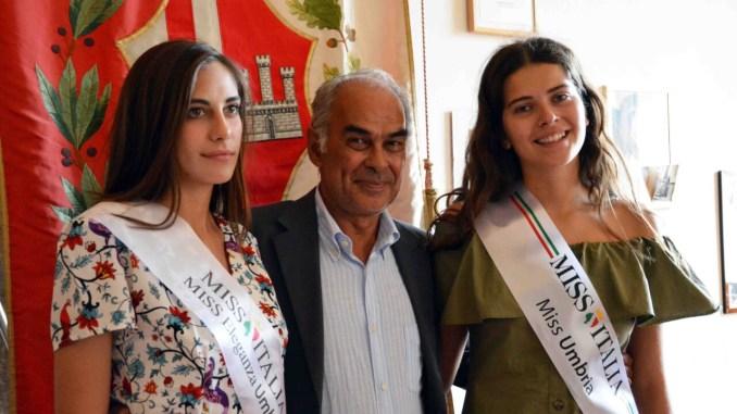 Leila e Linda, due tifernati a Miss Italia, incontrano il sindaco Bacchetta
