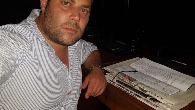 Emanuele Fiorini continua ad occupare una stanza del consiglio