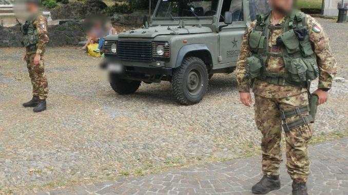 Militari accoltellati ad Assisi, serve più esercito in strada e nei luoghi sensibili
