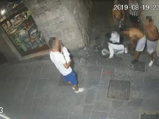 Notte di follia in centro a Perugia, uno straniero espulso