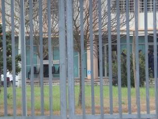 Ennesima giornata di follia e violenza nel carcere di Capanne