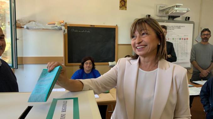 Exit pollsulleelezioni regionali, la leghista Tesei sbanca tra il 55% e il 59%