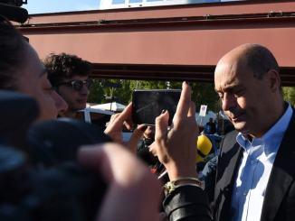 Nicola Zingaretti in Umbria a marcia odio preferiamo quella della pace