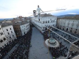 Il funambolo Andrea Loreni torna a Perugia, il 7 dicembre sarà a Ponte San Giovanni