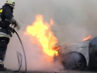 Auto ibride o elettriche e difficoltà di soccorso per Vigili e Polizia Stradale