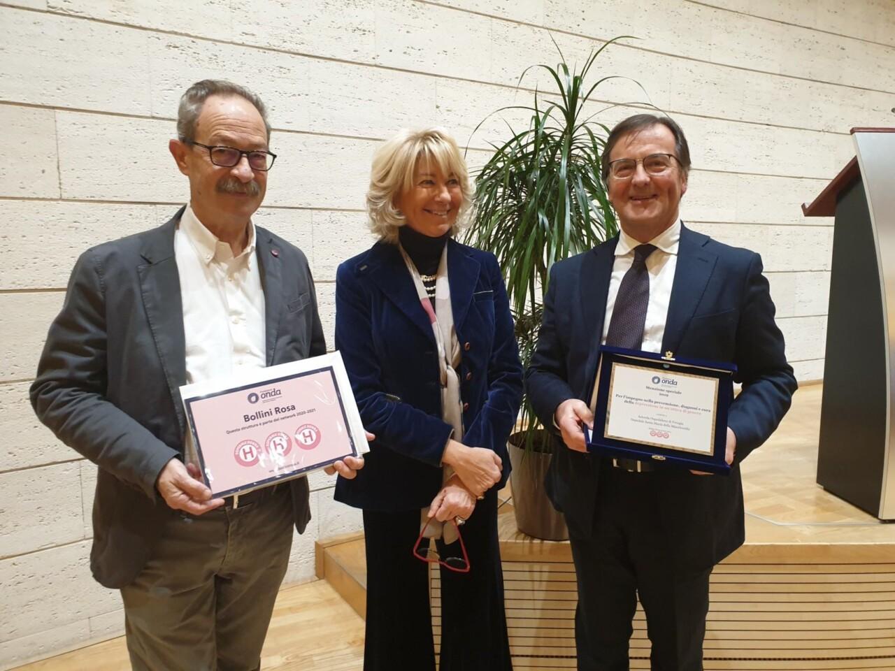 3 bollini rosa per patologie donna riconoscimento all'Ospedale di Perugia
