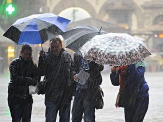 Maltempo, allerta meteo, piogge al sud e venti su tutta Italia