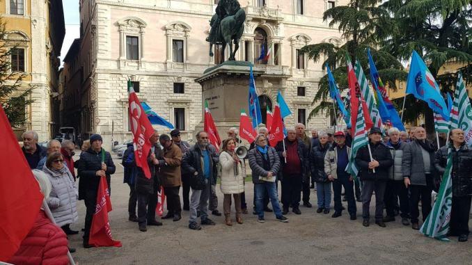 Non siamo invisibili, pensionate e pensionati in piazza a Perugia e Terni