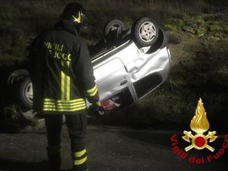 Incidente e incendio nella notte a Ponte Felcino e Solomeo, un ferito