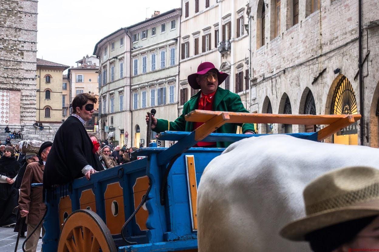Carnevale di Perugia, 1 febbraio Corteo con carro e buoi