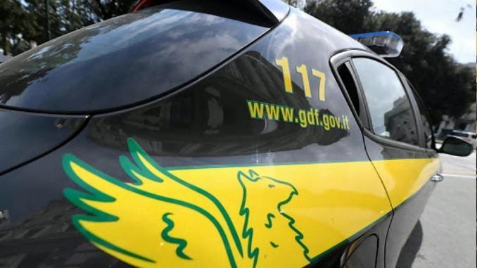 Reddito di cittadinanza in tasca, ma spacciava droga, arrestata