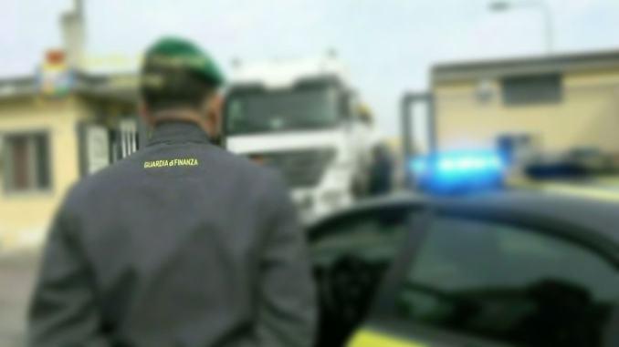 Frode Iva in settore carburanti, Finanza sequestra 55 milioni di euro