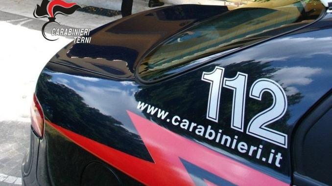 Ricatta un connazionale per il reddito di cittadinanza, denunciato dai carabinieri
