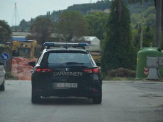Se volete arrestare lo spacciatore è in un'auto nera, blitz dei Carabinieri