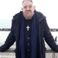 L'ex monaco, già condannato per abusi sessuali su minori, lascia Perugia