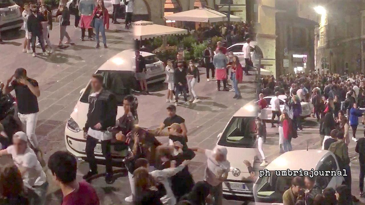 Rissa a Perugia e pestaggio, responsabili incastrati dagli stessi coetanei