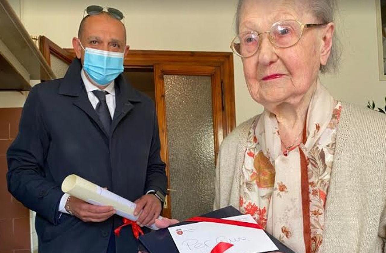 Donna Gina, Scopetta, 100 anni di vita, festa a Porta Pesa e Borgo Sant'Antonio