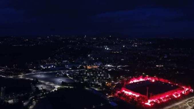 Il Perugia calcio compie 115 anni, la torciata che illumina lo stadio Renato Curi