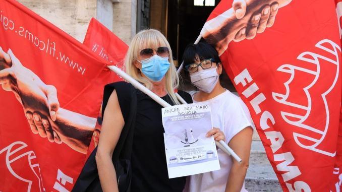Mense e pulizie, in piazza a Perugia e Terni per chiedere risorse, dignità e futuro