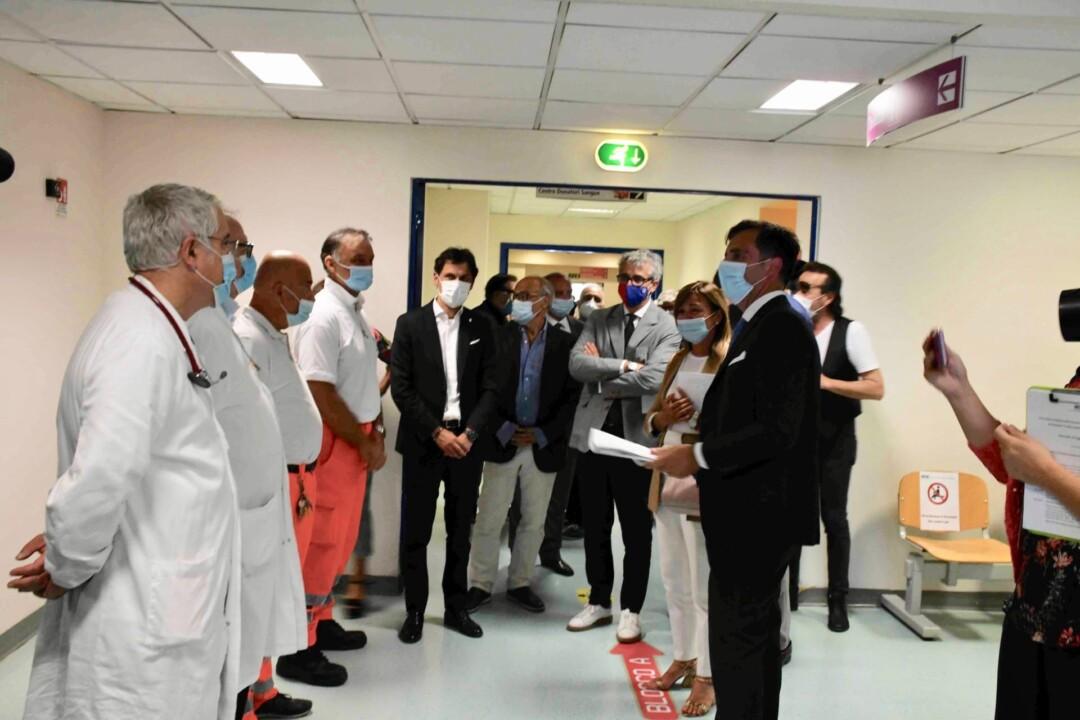 Presidente della regione Umbria e rettore dell'Università di Perugia in visita all'ospedale