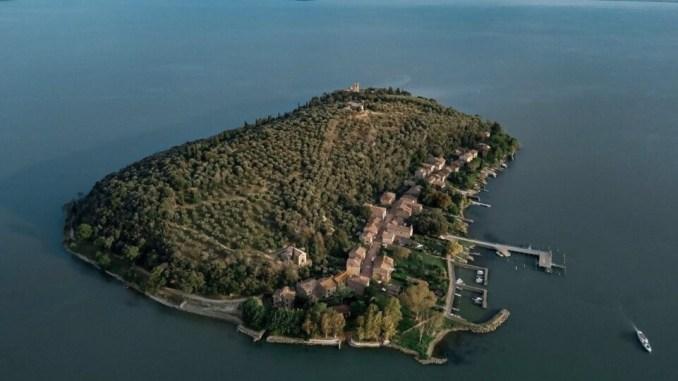"""Giovedì 22 presentazione della prima edizione """"Giallo Trasimeno"""", il Festival si svolgerà tra Tuoro ed Isola Maggiore"""