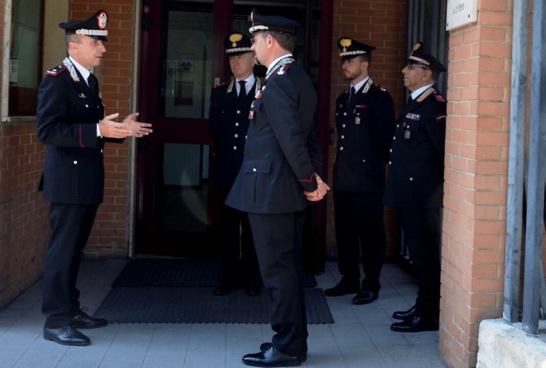 Il generale Bandiera in visita al comando provinciale di Perugia