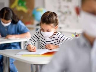 Covid in Umbria, ancora morti e143 nuovi contagi, 90 sono studenti