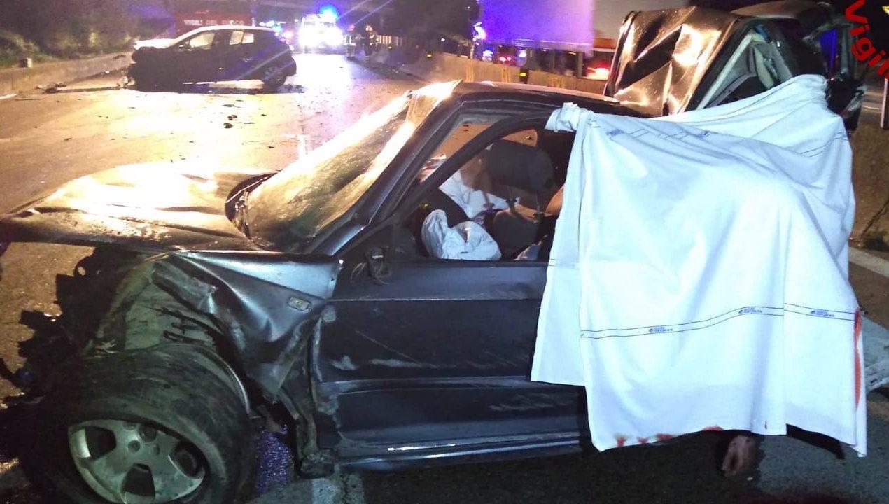 Due morti e sette feriti sulla E45, incidente stradale tra Pantalla e Marsciano