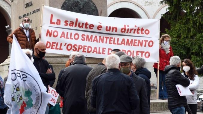 Protesta bianca per l'Ospedale di Spoleto, comitato scrive ai giornali