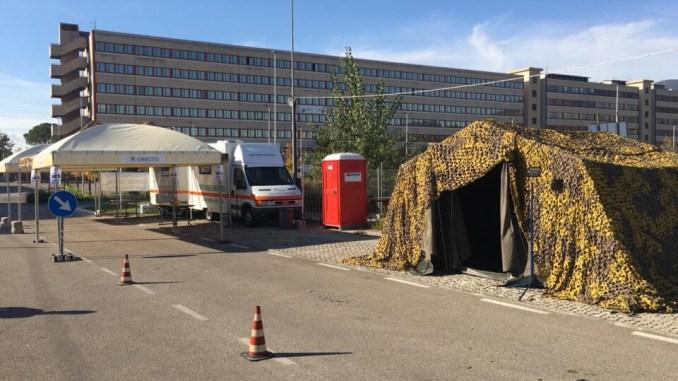 Postazione tamponi 'pit stop' in viale Bramante a Terni, sono arrivati i militari
