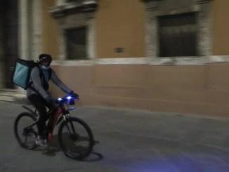 """Scatta l'arancione e a Perugia cala il """"sipario del silenzio"""""""
