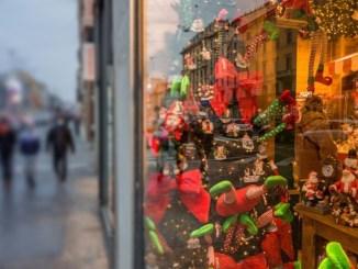 Decreto Natale, iniquo stop a negozi nei centri commerciali nei festivi e prefestivi