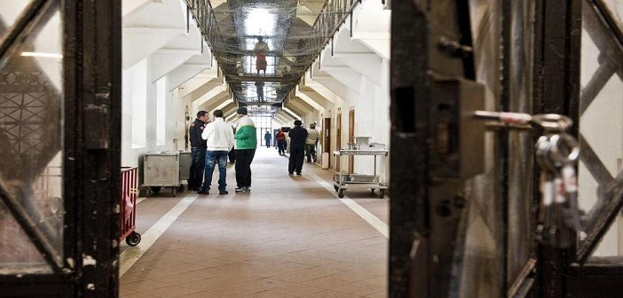 Violenza nel carcere di Orvieto aggredito agente penitenziario