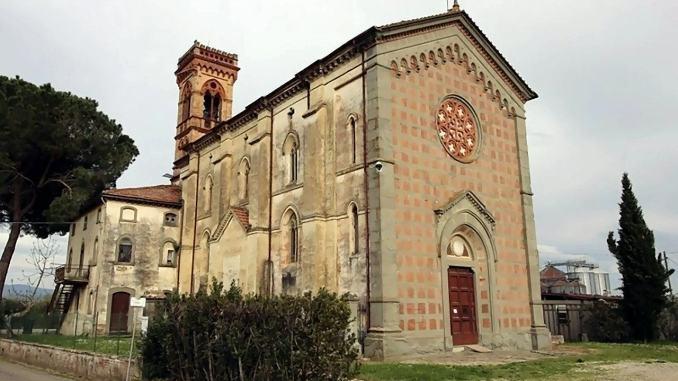 Dpcm spezza paese, Santa Messa in Umbria e casa in Toscana