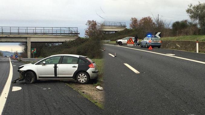 Incidente stradale in A1 a Orvieto, un automobilista fa tutto da solo