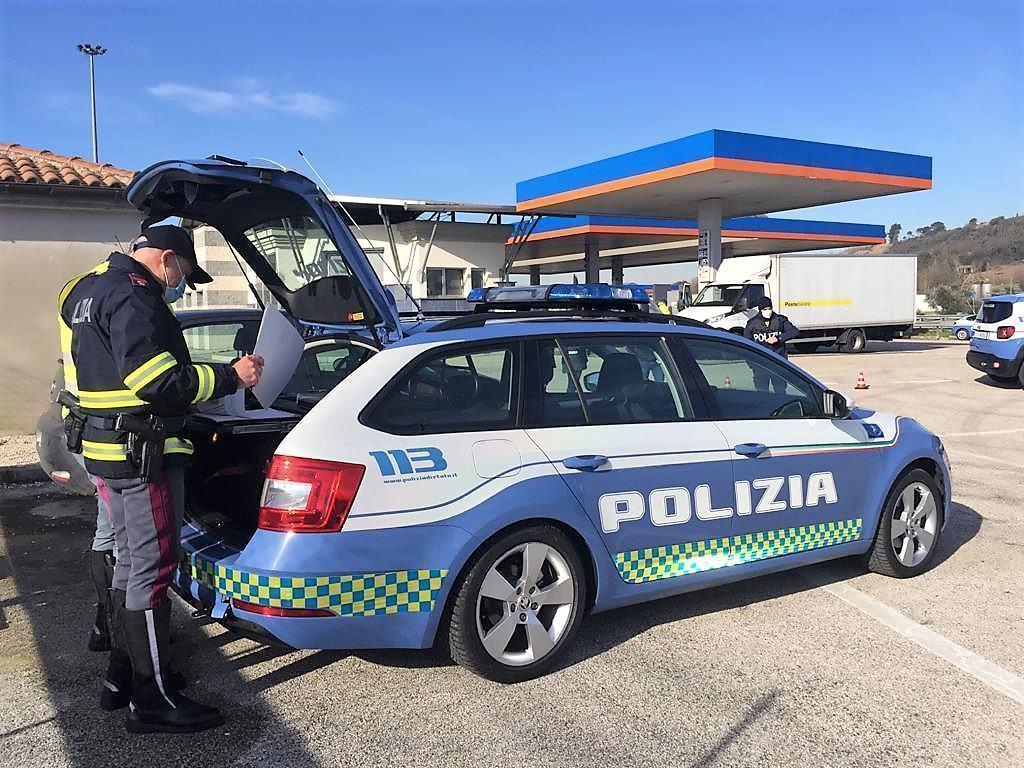 Controlli straordinari a Terni, in campo la Polizia Stradale