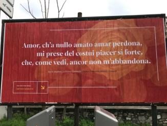 Un messaggio rosso d'amore dall'Umbria