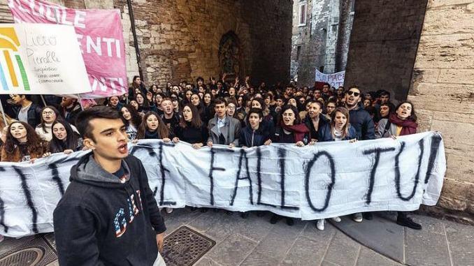 Chiusura scuole giovani democratici chiedono dimissioni assessore