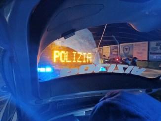 Non si fermano all'alt della polizia, denunciati tre giovani a Castel del Piano