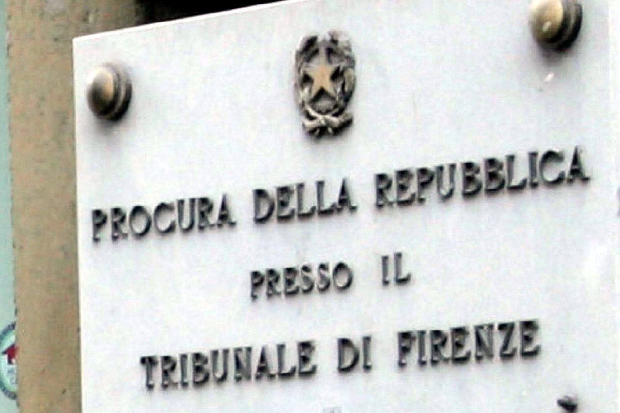 Ex pm Perugia e tre carabinieri rinviati a giudizio per corruzione 8 a processo