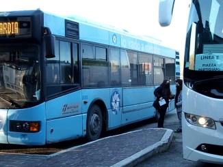 Tutti a scuola, 120 autobus in più, in moto anche i mezzi di aziende private