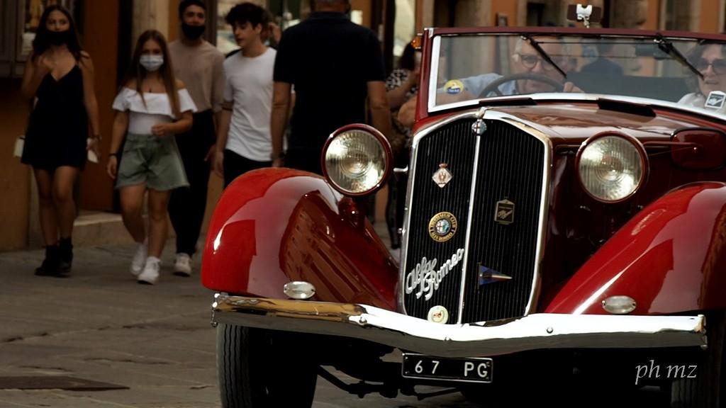 Coppa della Perugina, sfilata auto storiche in Corso Vannucci