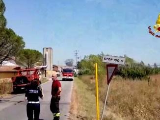 Furioso incendio devasta 40 ettari di bosco, le immagini dell'elicottero
