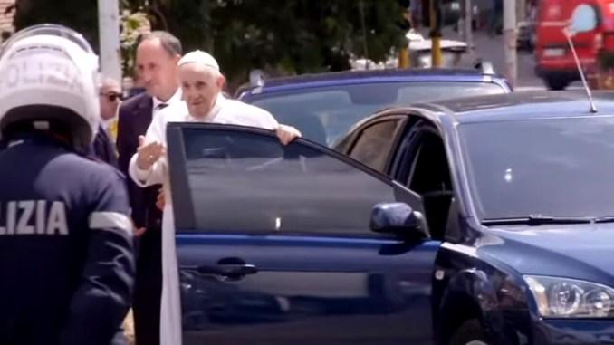 Papa Francesco è stato dimesso dal policlinico Gemelli